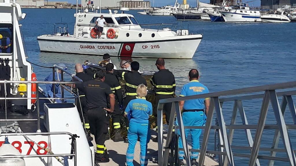 ragazzo annegato soccorsi vigili del fuoco capitaneria carabinieri