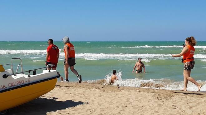Steward anti covid spiaggia Petacciato