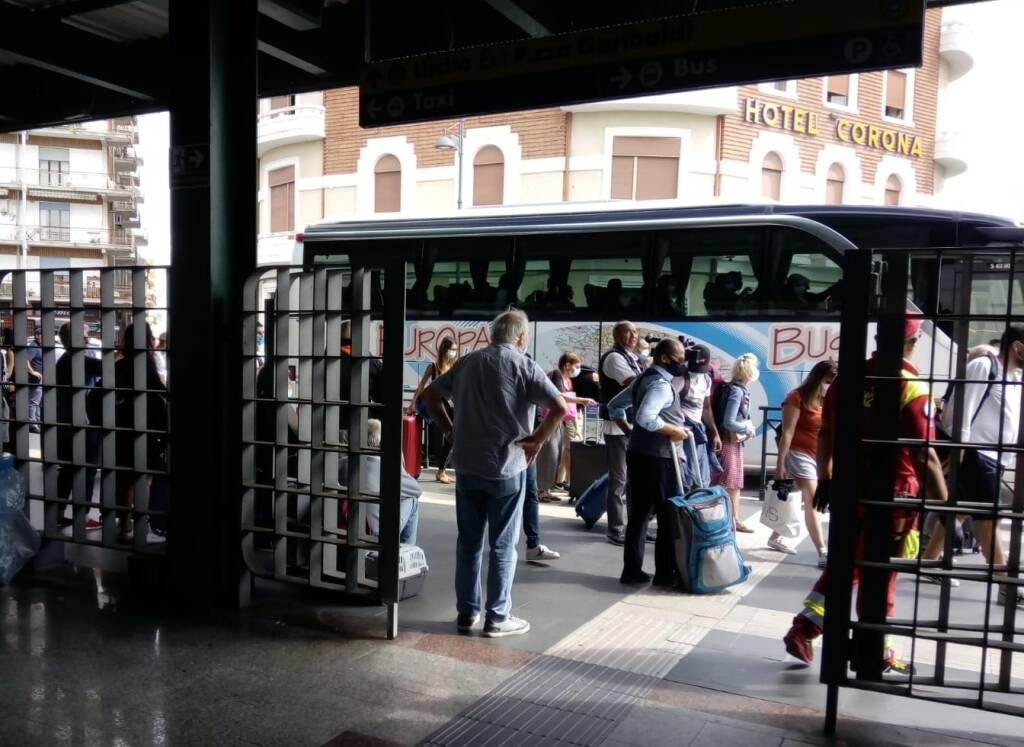 disagi stazione treni bus sostitutivi