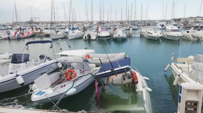 barca Marina di Montenero