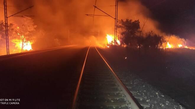 incendio ferrovia