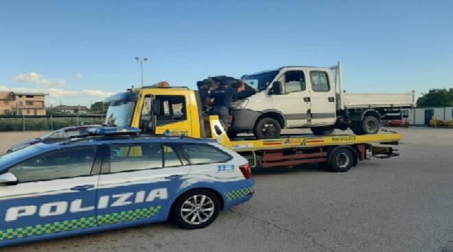 polstrada chieti furgone rubato