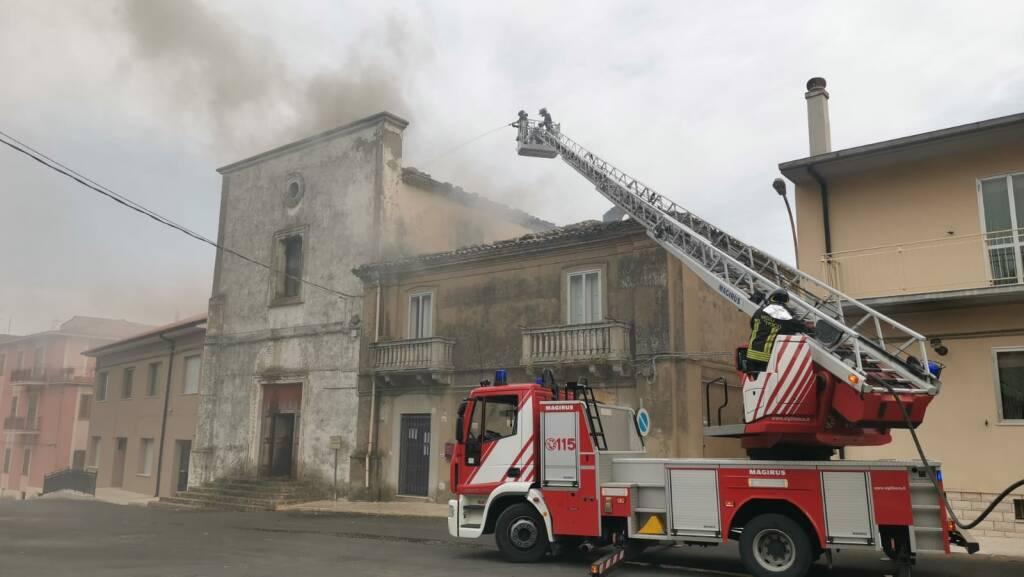 chiesa s. antonio abate a fuoco guglionesi incendio