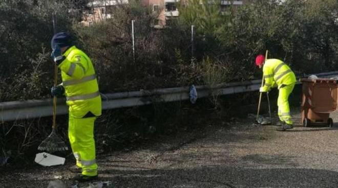 pulizia strada lavoro