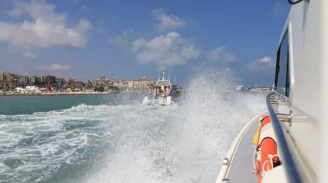 guardia costiera salvataggio yacht
