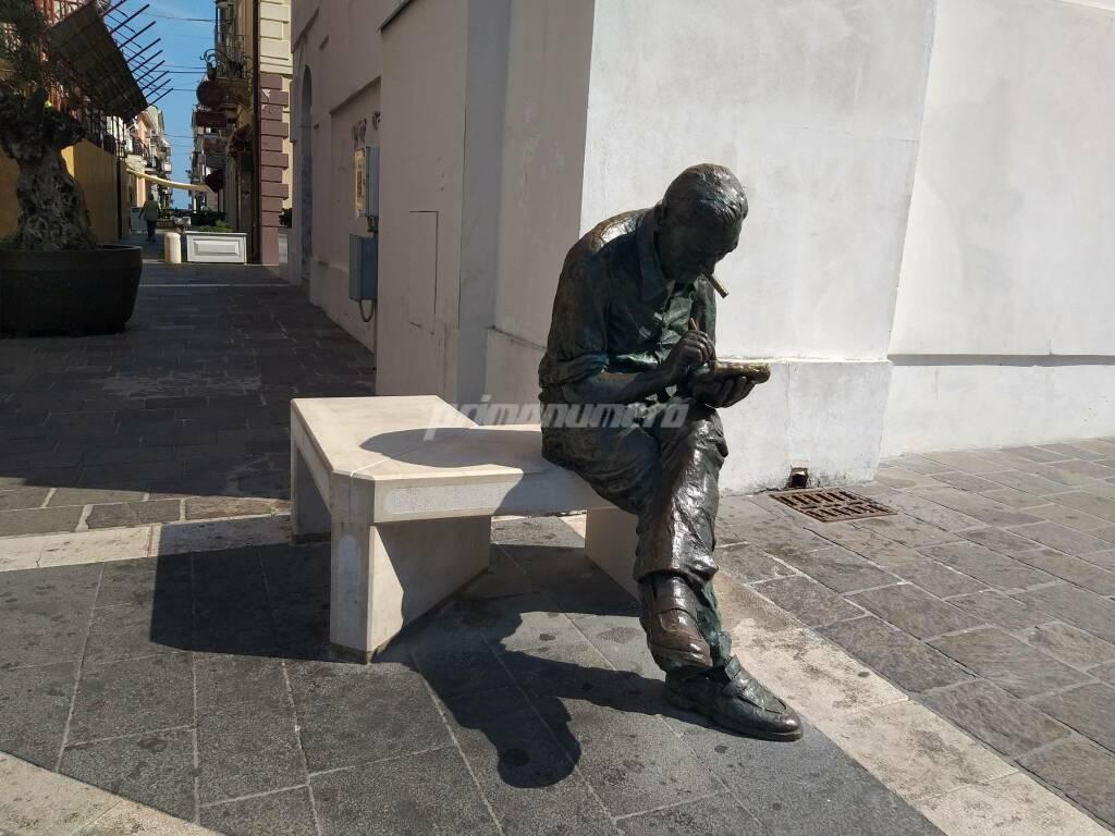 Statua jacovitti dopo vandalismo