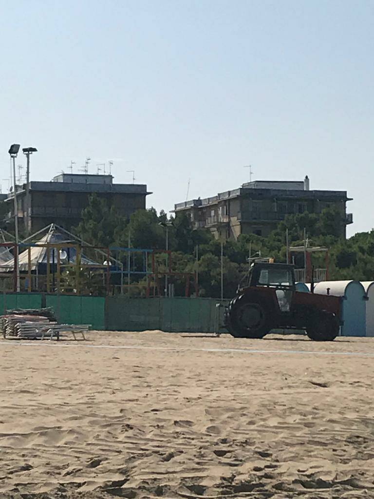 trattore spiaggia Campomarino