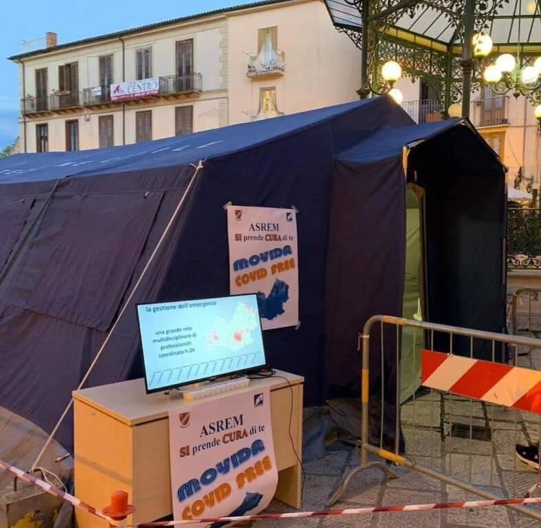 tenda screening giovani piazza isernia