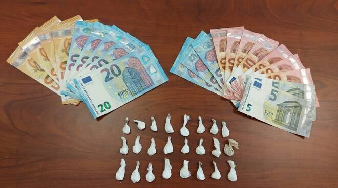 carabinieri contanti droga