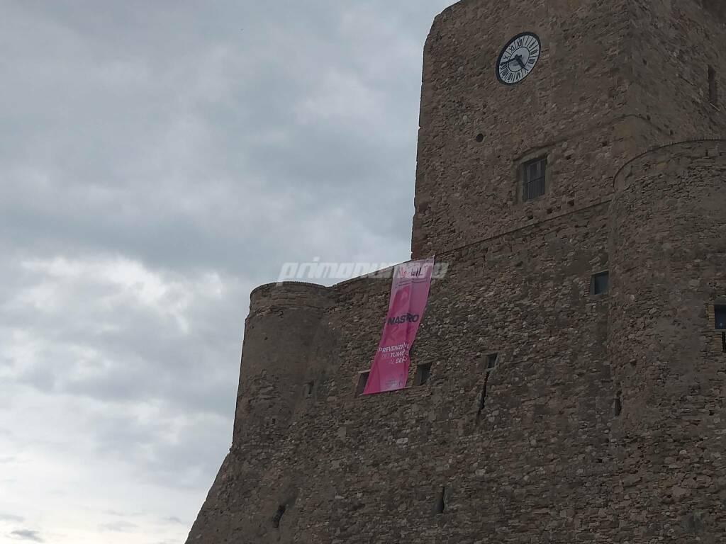 castello nastro rosa