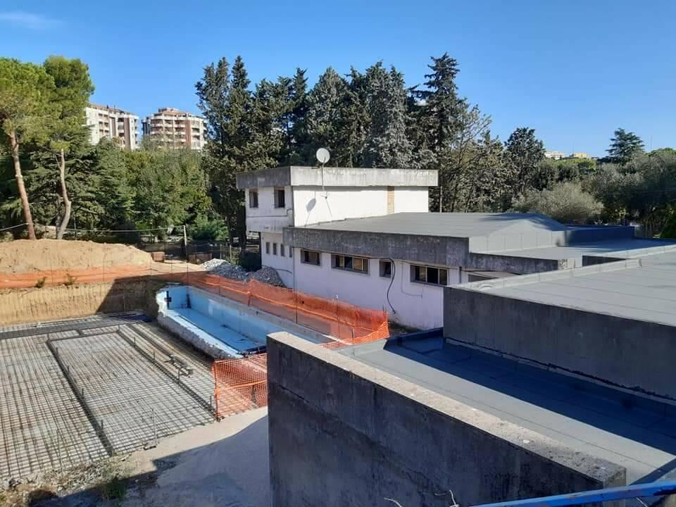 piscina parco lavori