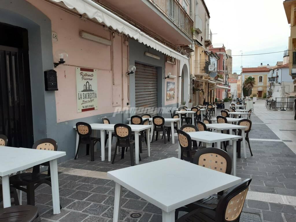 Ristoranti tavoli vuoti Termoli