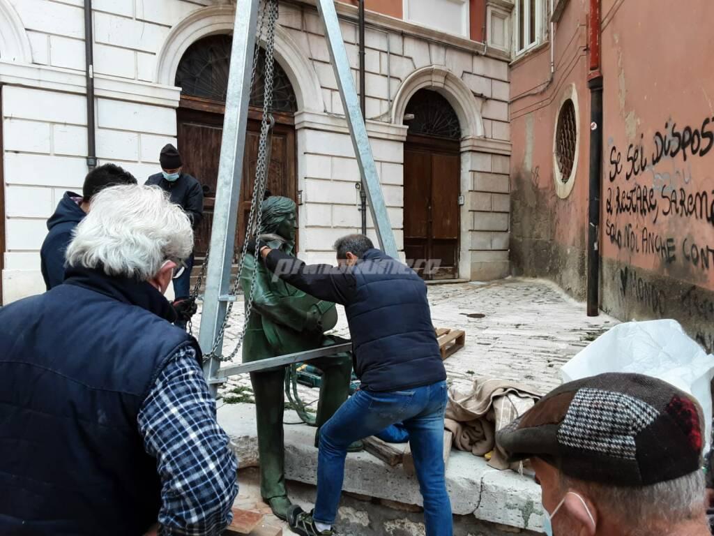 A Campobasso la statua dedicata a Fred Bongusto