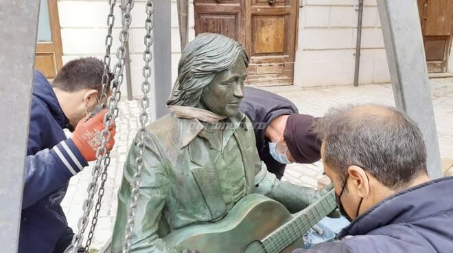 Statua Fred Bongusto