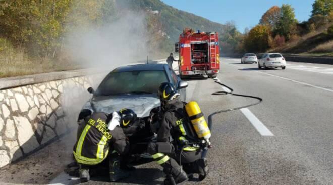 auto fuoco vigili isernia