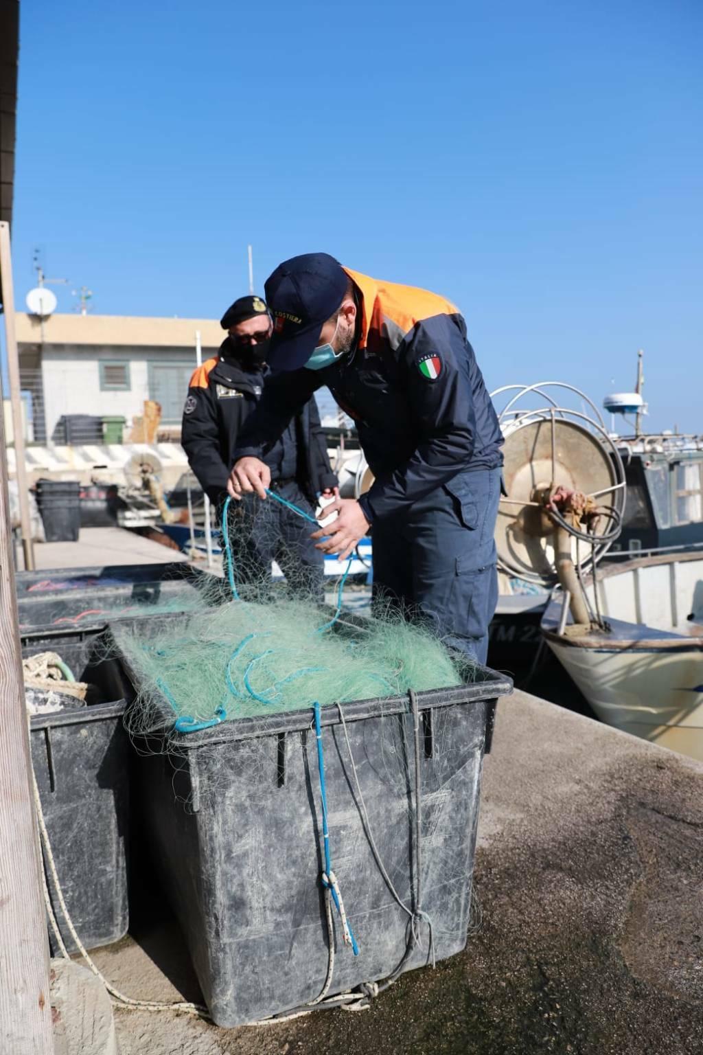 Pesce sequestrato Guardia Costiera