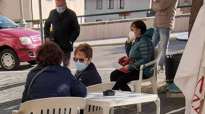 Gente mascherina Guglionesi