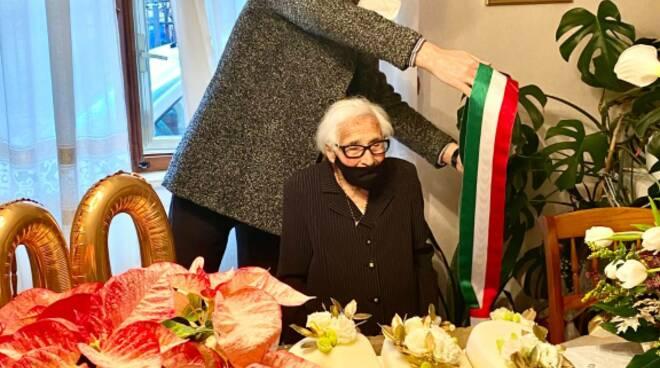 100 anni rosa bozza sindaco gravina