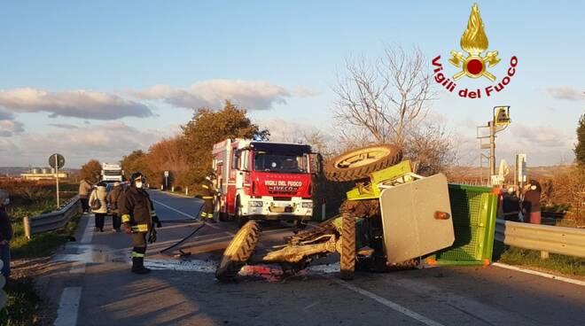 incidente trattore vigili fuoco