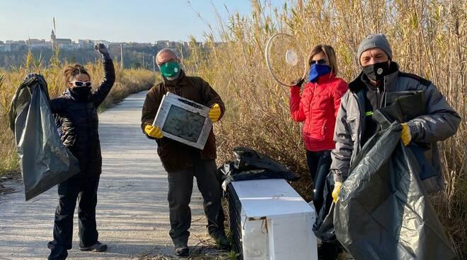 campomarino rifiuti volontari
