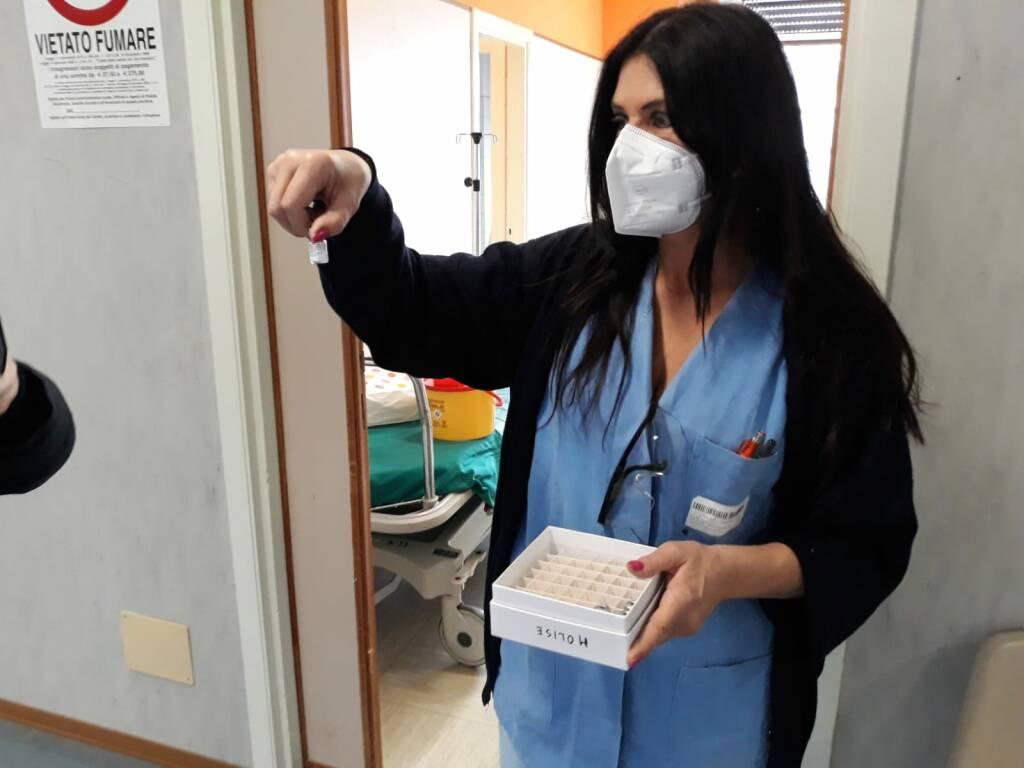cardarelli vaccini anticovid