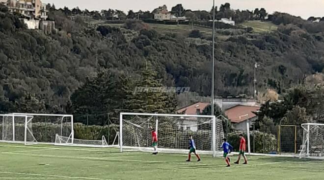 Allenamenti calcio campo giovani san Pietro