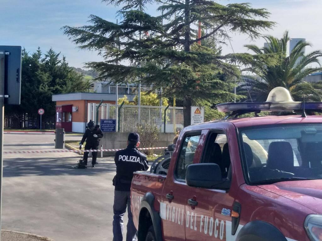 Vigili del Fuoco momentive pacco bomba fabbrica chimica Termoli