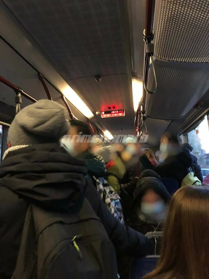 studenti assembramenti autobus