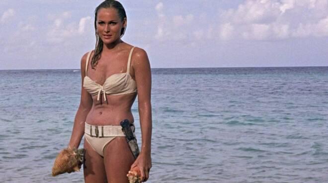 Ursula andress bikini