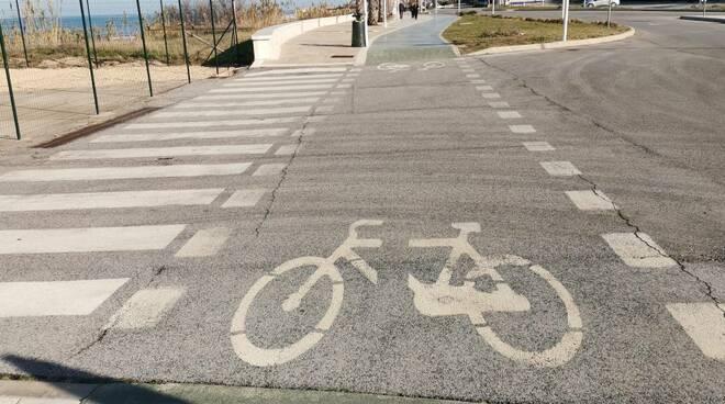 Pista ciclabile bicicletta biciclette termoli
