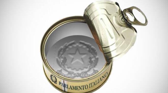 scatoletta tonno parlamento 5 stelle
