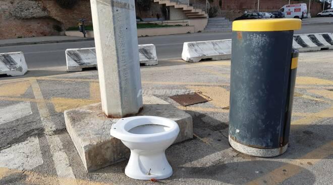 Tazza cesso water porto Termoli