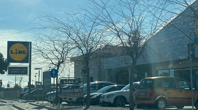 Campomarino Auto Cimitero Supermercati Eurospin Lidl