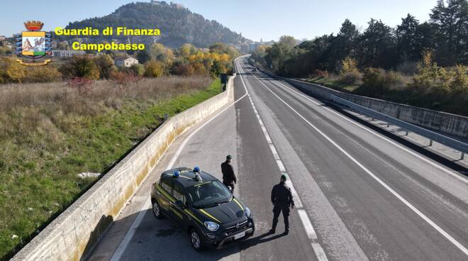 Finanza droga baschi verdi