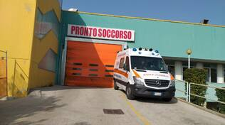 pronto soccorso ambulanza san timoteo