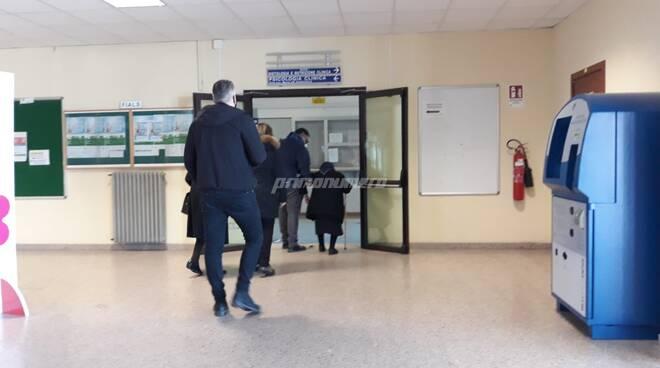 Vaccini covid anziani over 80 ospedale Cardarelli