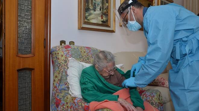 carabinieri isernia vaccino anziana