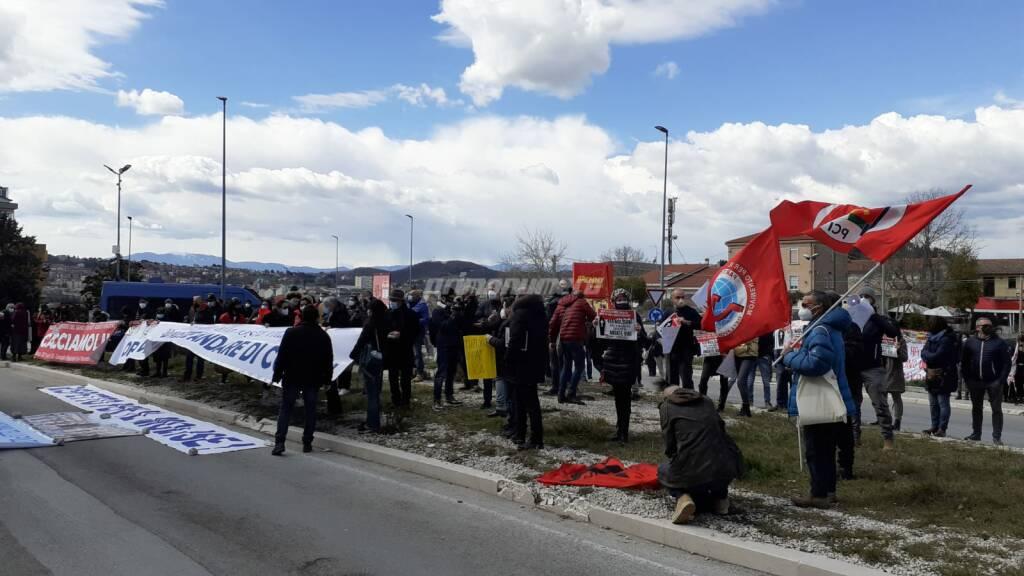 Protesta sanità Consiglio regionale 16 marzo 2021