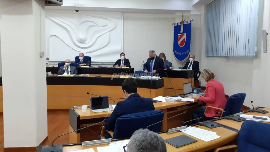 Consiglio regionale bilancio 26 aprile 2021 Toma Niro Romagnuolo Iorio