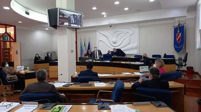 Consiglio regionale sessione bilancio 28.04
