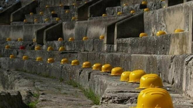 morti bianche lavoro caschetti cantieri edili