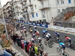 ciclisti giro via mario milano