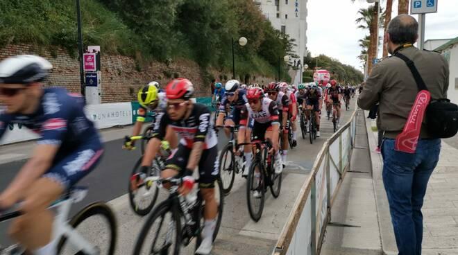 I ciclisti arrivano a Termoli