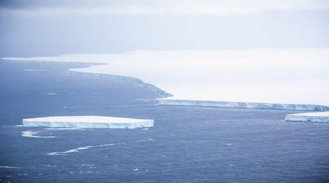 iceberg antartide  A76 molise