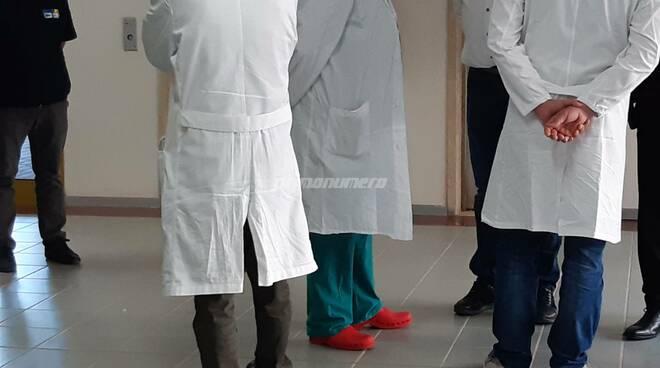 medici camice Presentazione reparto post covid