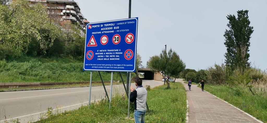 Segnaletica ciglia porto viale marinai d'Italia