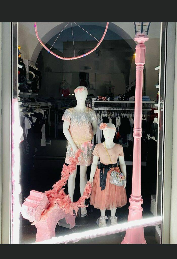 Vetrine in rosa per il Giro d'Italia