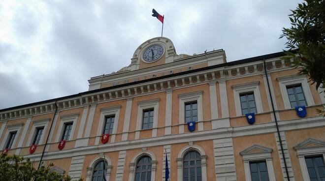 Municipio Campobasso rossoblù bandiera calcio promozione