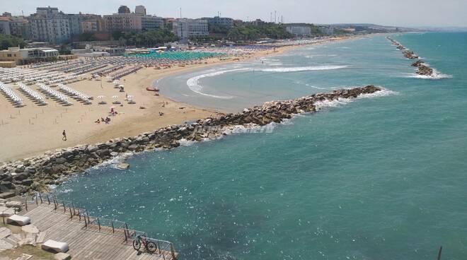 spiaggia mare termoli passeggiata piè di castello