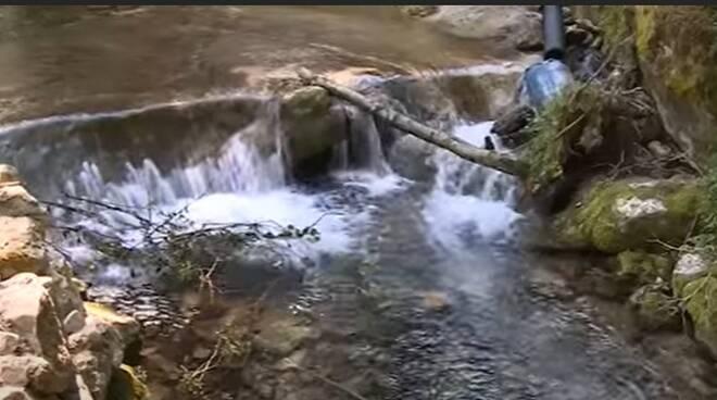 sorgente castelpizzuto acqua pubblica castellina